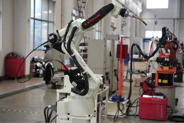 China Gantry - hanging Welding Robotic Arm for Stainless Steel / Aluminum factory