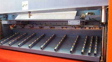 Pneumatic plate hydraulic guillotine shearing machine