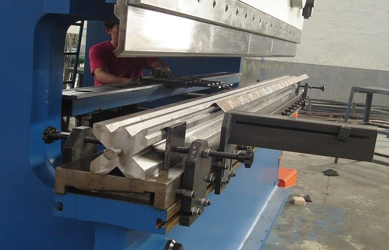 8mm Thickness , 300 Ton Press Brake Machine With Estun E10 E200 CNC supplier